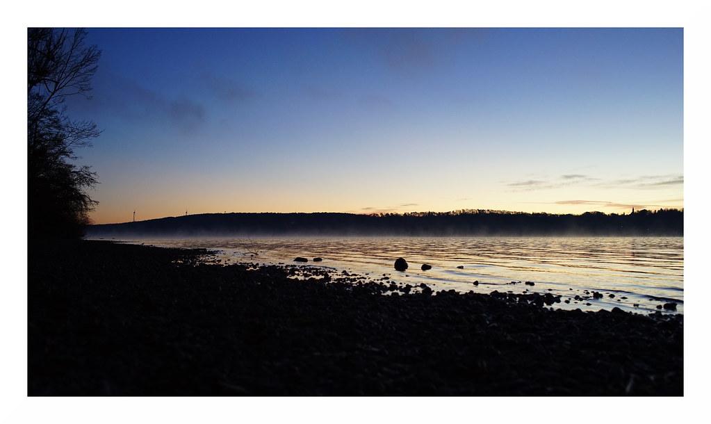 Morgendunst über dem Starnberger See