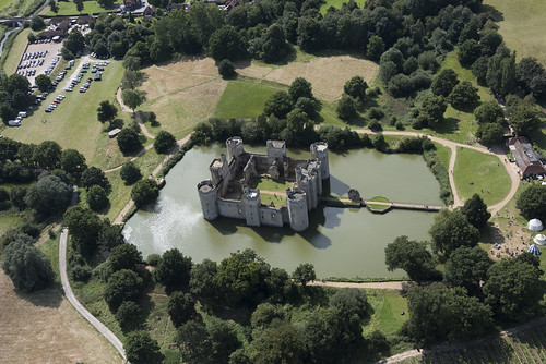bodiam castle aerial image sussex moat moated eastsussex fort fortress nationaltrust nt aerialimages above nikon hires highresolution hirez highdefinition hidef britainfromtheair britainfromabove skyview aerialimage aerialphotography aerialimagesuk aerialview viewfromplane aerialengland britain johnfieldingaerialimages fullformat johnfieldingaerialimage johnfielding fromtheair fromthesky flyingover fullframe cidessus antenne hauterésolution hautedéfinition vueaérienne imageaérienne photographieaérienne drone vuedavion delair birdseyeview british english images pic pics view views hángkōngyǐngxiàng kōkūshashin luftbild imagenaérea imagen aérea