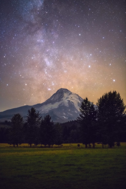 Framing Mt. Hood and the Milky Way