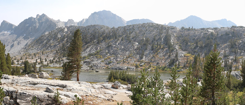 Lake 10742 and Giraud Peak from the Bishop Pass Trail in lower Dusy Basin