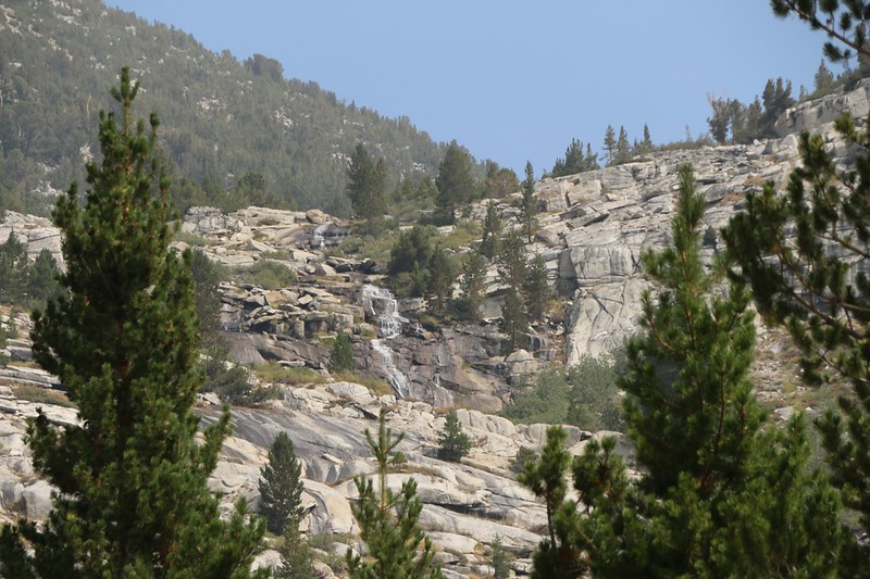 Zoomed-in view of a waterfall on the Dusy Branch, from the Bishop Pass Trail