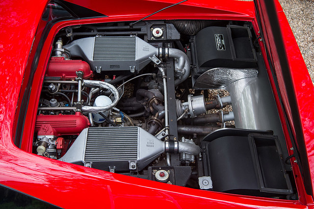 1985-Ferrari-288-GTO-_2