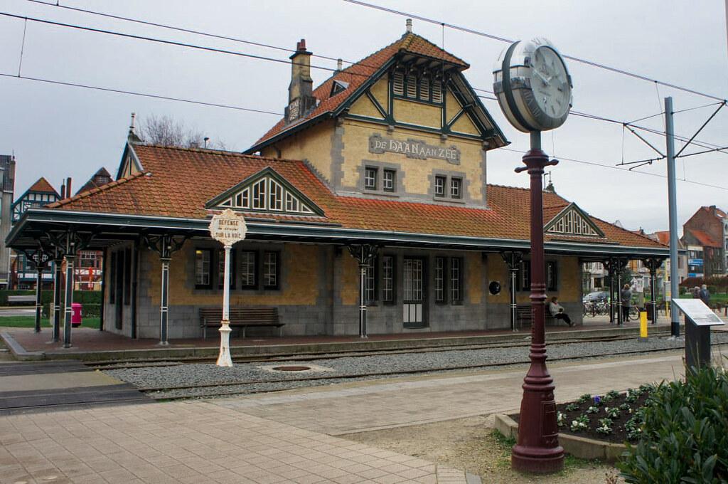 Estación de tren de De Haan