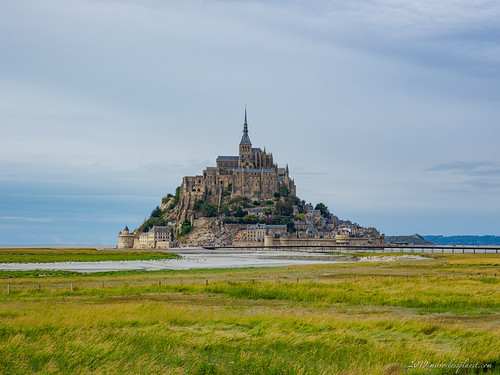 Getting further away from Mont-Saint-Michel. | by Mirrorless Planet