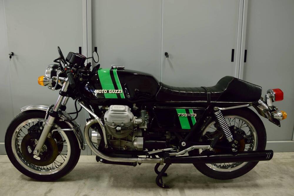 Moto Guzzi 750-S3 side 1