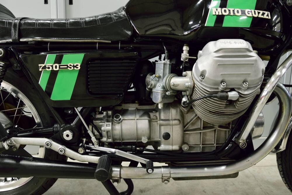 Moto Guzzi 750-S3 middle 2