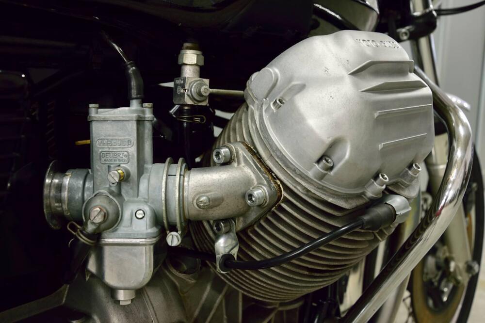 Moto Guzzi 750-S3 engine 1