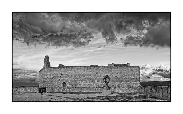 PIERRE CARDIN + 29.12.2020....Chateau de Lacoste