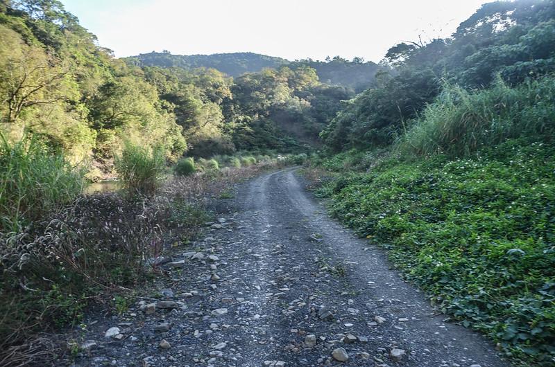 水庫內土石車道 (1)