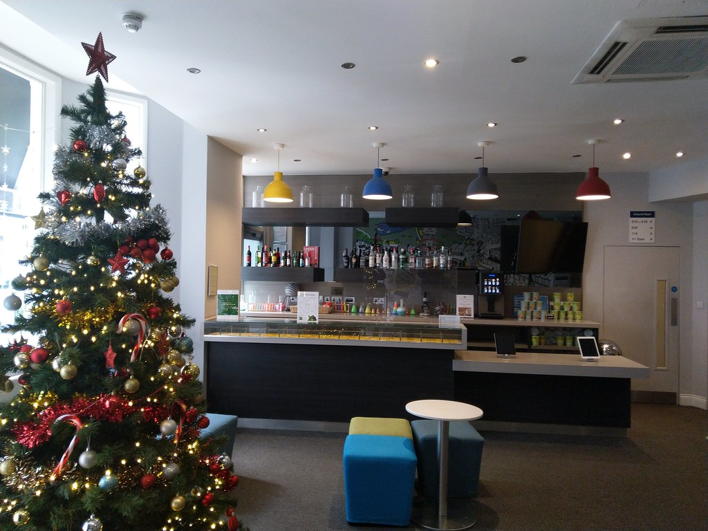 Ibis Styles London Kensington Reception