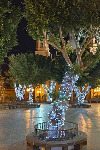 Vista de la iluminación navideña de la Plaza Nuestra Señora del Rosario de Agüimes