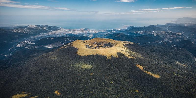 磺嘴山 Mt. Huangzui