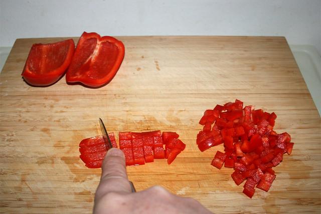 04 - Dice bell pepper / Paprika würfeln