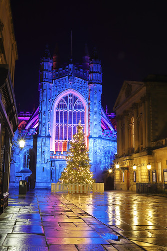 city cathedral bath abbey bathabbey landscape cityscape views december winter festive christmas churches avon tourism history roman historical architecture georgianarchitecture british uk banes england somerset bathnortheastsomerset illumination colourful night nightcity longexposure bathbid magical rainbowilluminations bathskyline christmastree citycentre reflections blue purple yellow