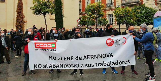 Foto de CCOO de Sevilla.  Aernnova concentración.