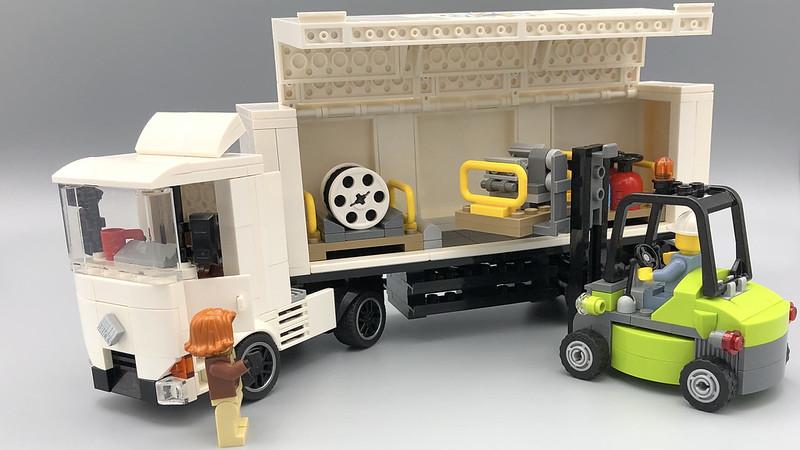 Born2Brick e.V. Cargo Truck