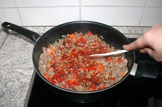 17 - Braise tomato puree / Tomatenmark andünsten