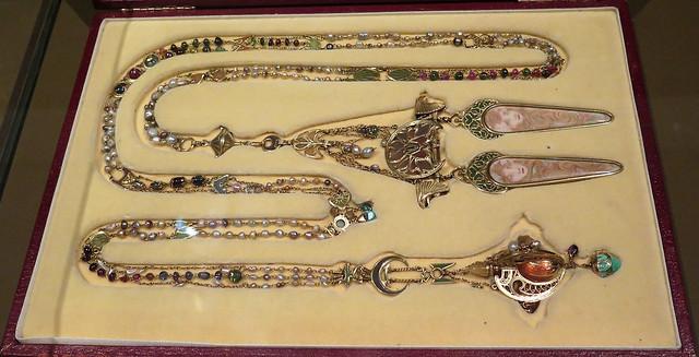 Jewels / Bijoux par Alfons Mucha