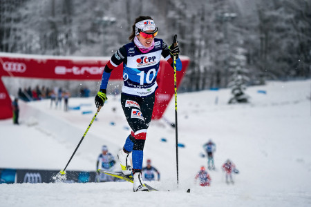 Prestižní Tour de Ski odstartuje s devítkou českých reprezentantů. Kdo bude moci slavit po brutálním stoupání na Alpe Cermis?