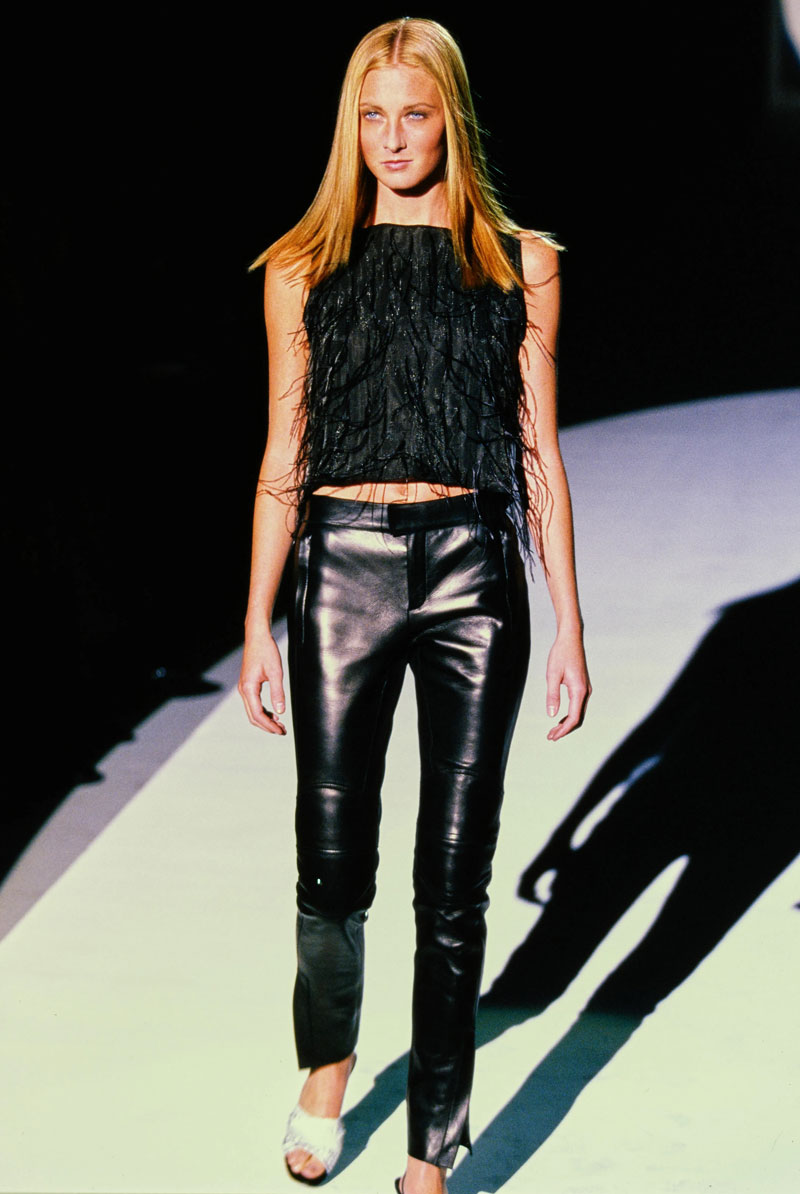7-gucci-spring-1999-ready-to-wear-maggie-rizer