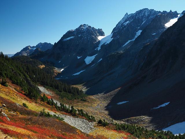 Pelton Peak and Magic Mountain above Pelton Basin