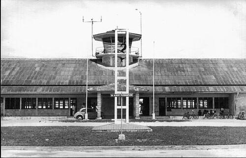 Mokmer airport Biak (1961; (c) Wikipedia)