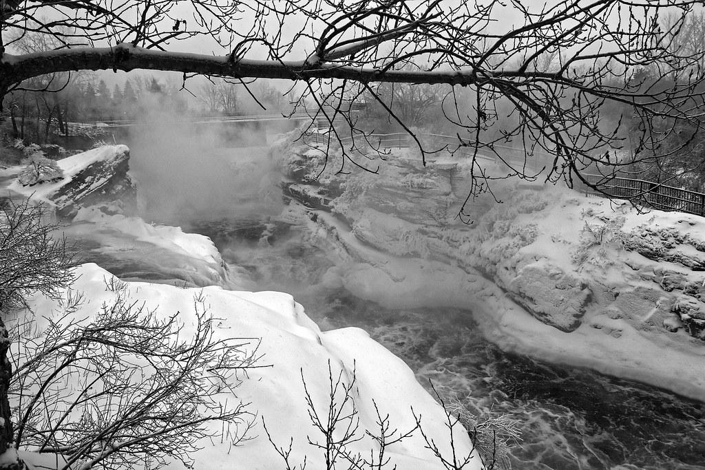 Monochrome Ottawa