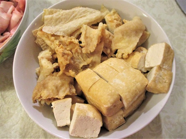 Fish maw, tofu cake and tofu skin