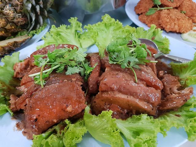 baiyok restaurant betong yam pork