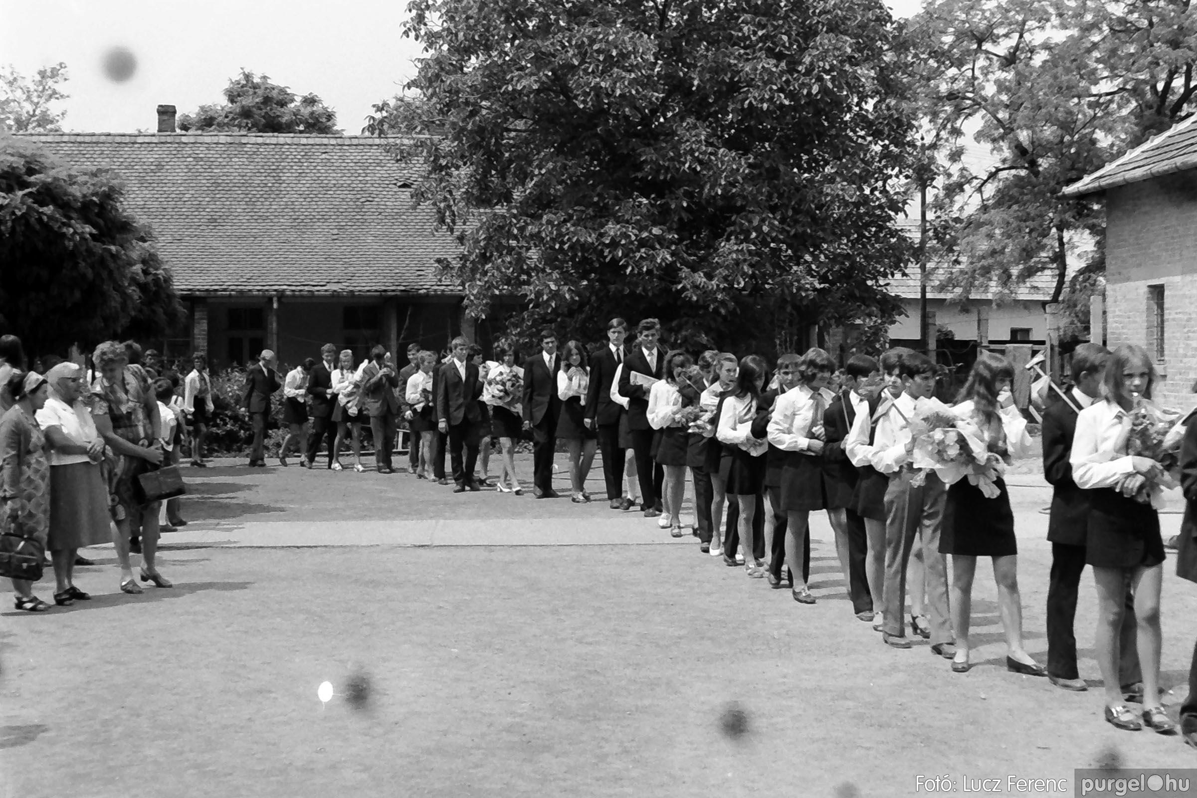 001 1972.05.27. Ballagás a szegvári iskolában 032 - Fotó: Lucz Ferenc - IMG01054q.jpg