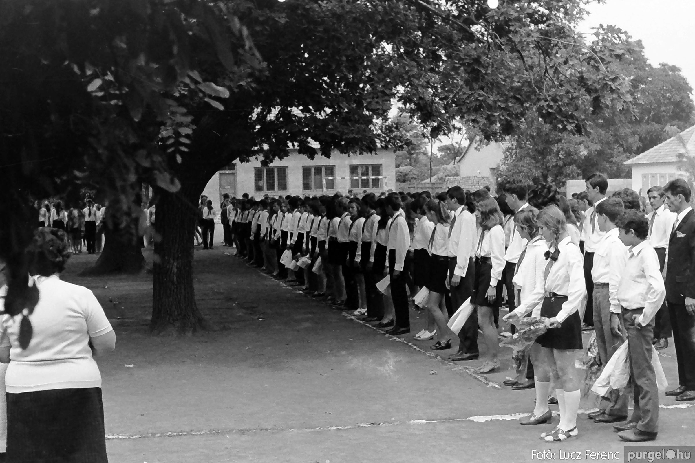001 1972.05.27. Ballagás a szegvári iskolában 026 - Fotó: Lucz Ferenc - IMG01084q.JPG