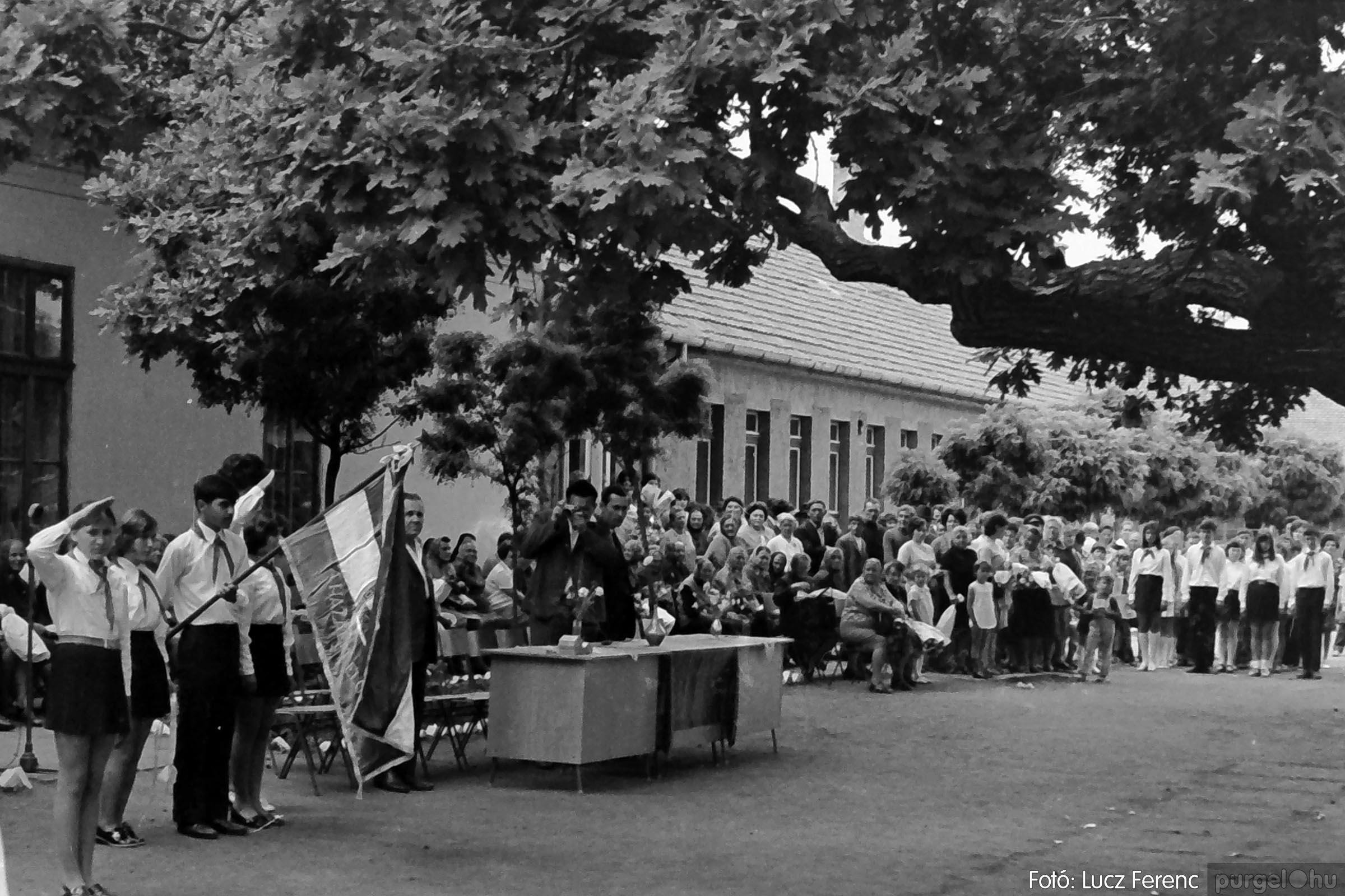 001 1972.05.27. Ballagás a szegvári iskolában 024 - Fotó: Lucz Ferenc - IMG01081q.jpg