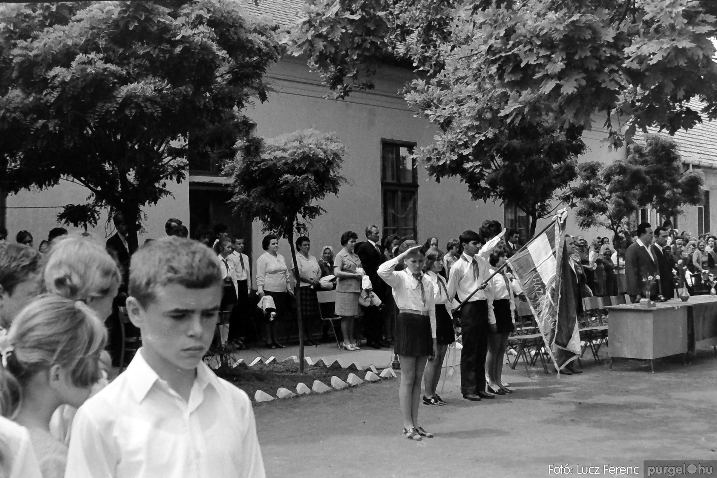 001 1972.05.27. Ballagás a szegvári iskolában 021 - Fotó: Lucz Ferenc - IMG01078q.jpg