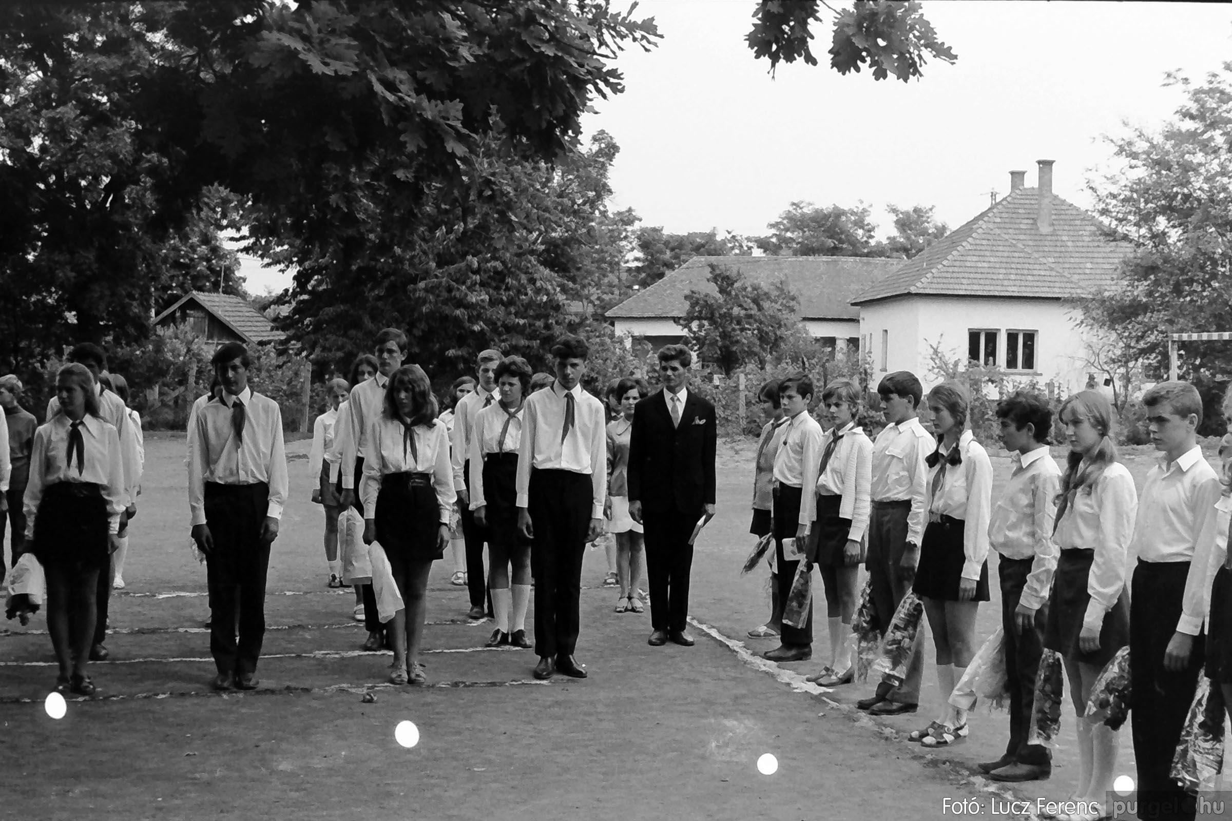 001 1972.05.27. Ballagás a szegvári iskolában 019 - Fotó: Lucz Ferenc - IMG01076q.jpg