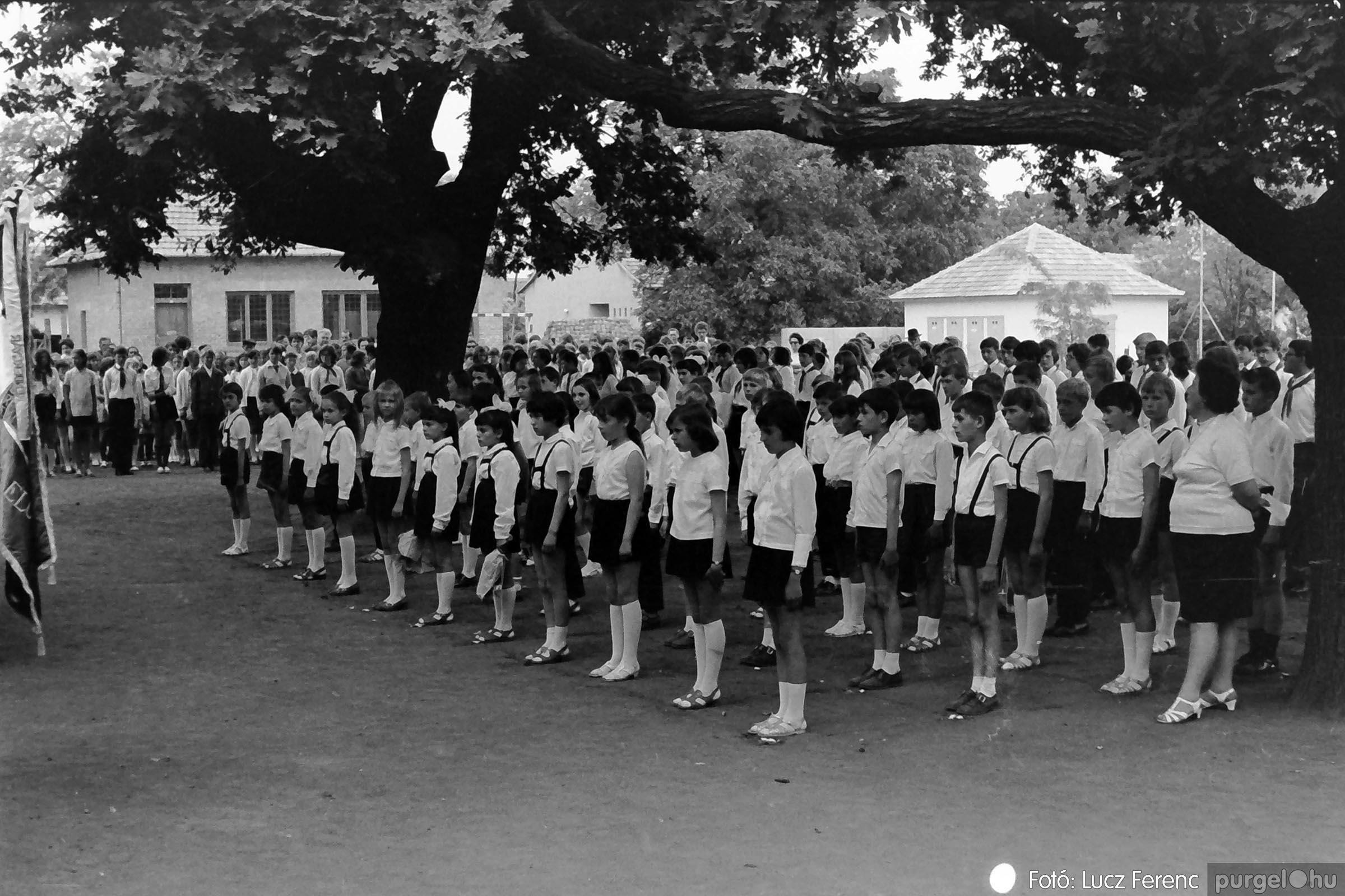 001 1972.05.27. Ballagás a szegvári iskolában 016 - Fotó: Lucz Ferenc - IMG01073q.jpg