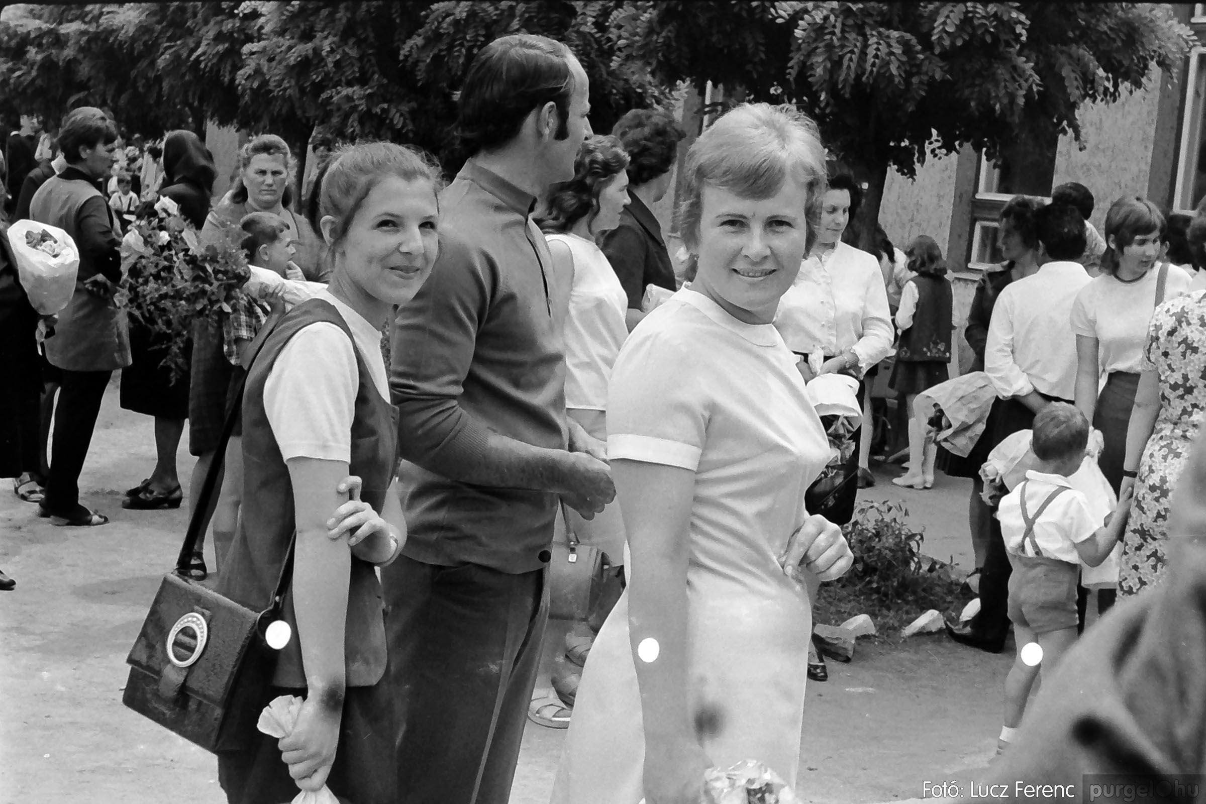 001 1972.05.27. Ballagás a szegvári iskolában 007 - Fotó: Lucz Ferenc - IMG01064q.jpg