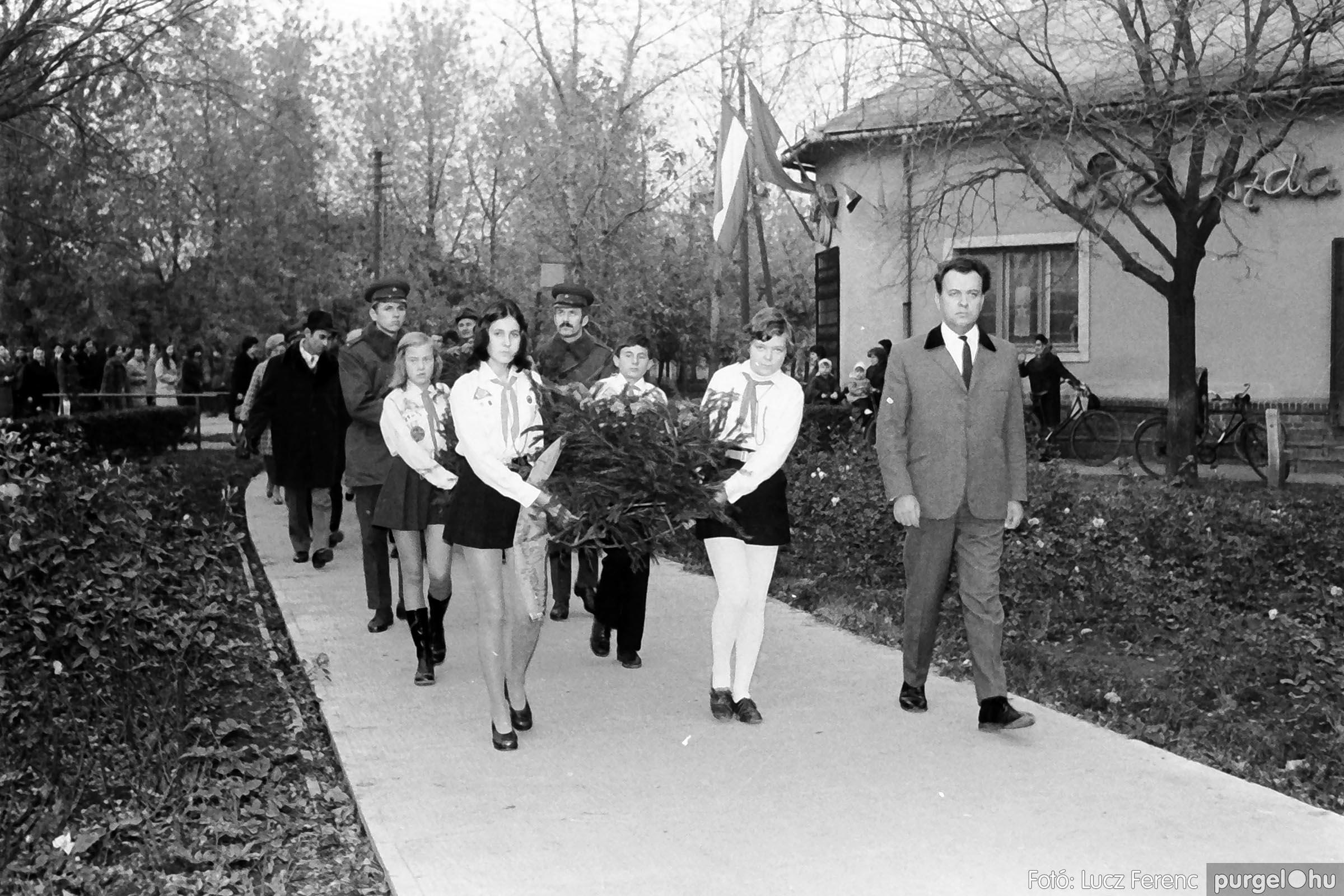 002 1970-es évek - November 7-i ünnepség 006 - Fotó: Lucz Ferenc - IMG01090q.jpg