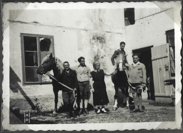 ArchivTappen2AAl2c241 Kameraden, Österreich, 1930-1941