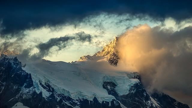 Cerro Paine Grande - Last Light