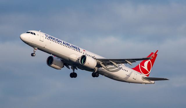 A321   TC-LSZ   AMS   20210101