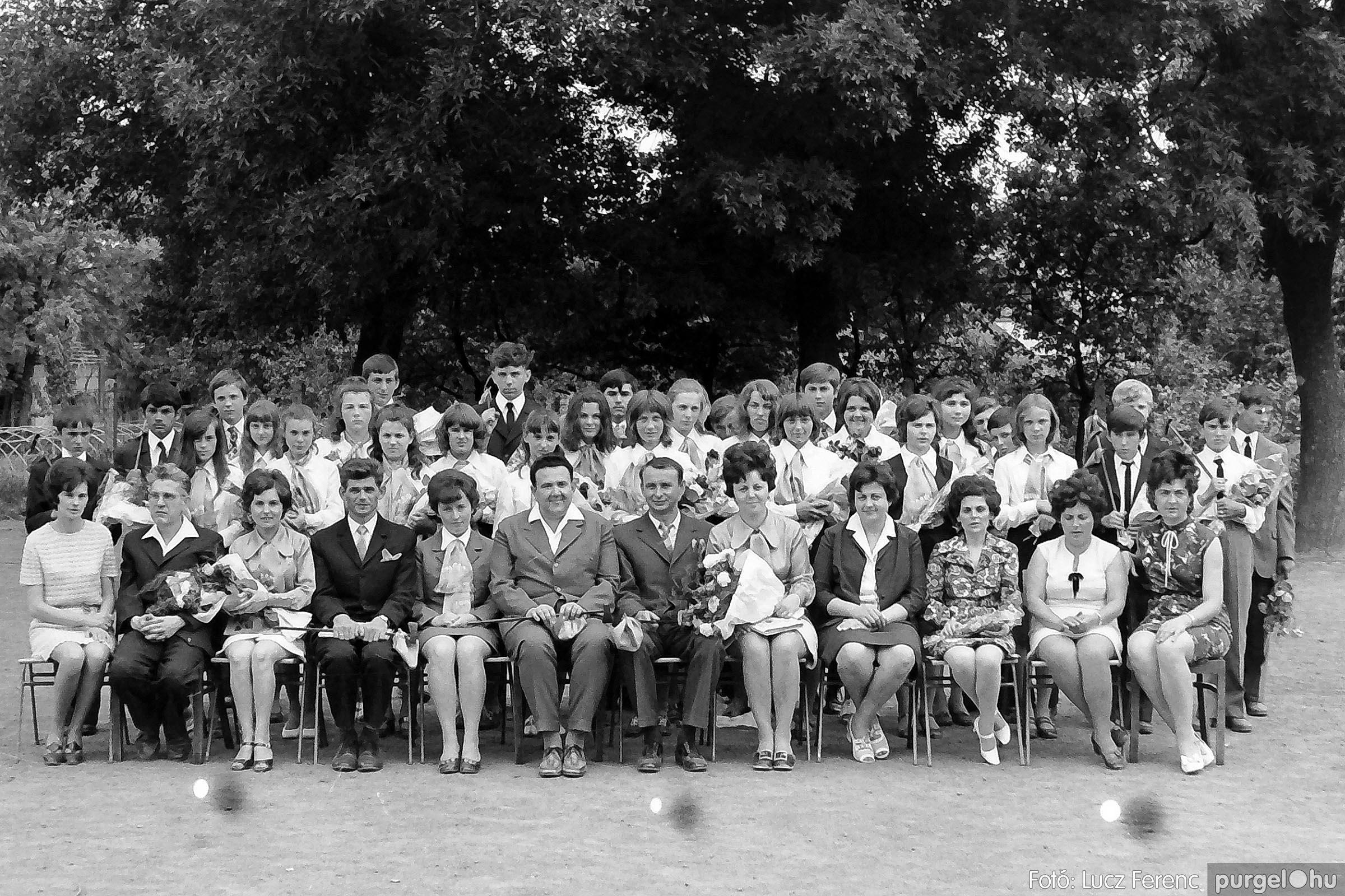 001 1972.05.27. Ballagás a szegvári iskolában 031 - Fotó: Lucz Ferenc - IMG01053q.jpg