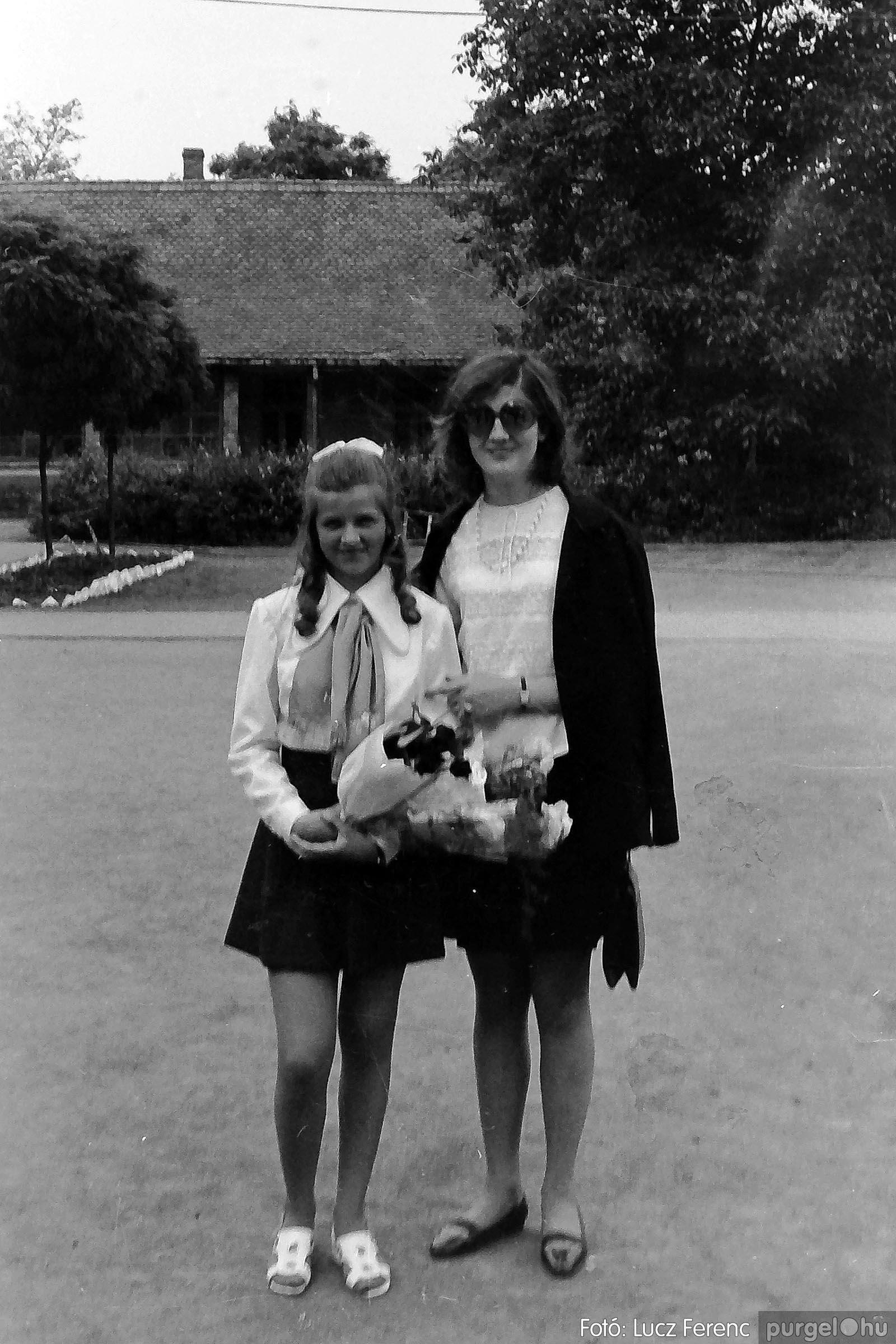 001 1972.05.27. Ballagás a szegvári iskolában 027 - Fotó: Lucz Ferenc - IMG01046q.jpg