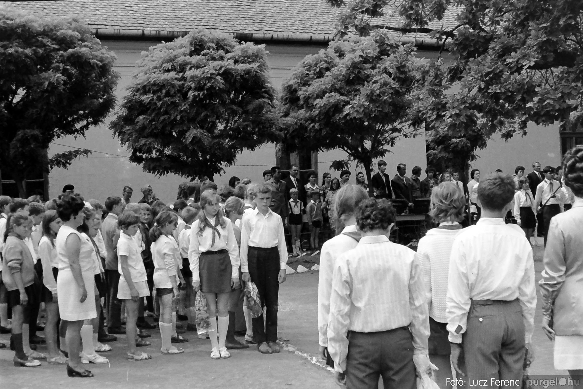 001 1972.05.27. Ballagás a szegvári iskolában 022 - Fotó: Lucz Ferenc - IMG01079q.jpg