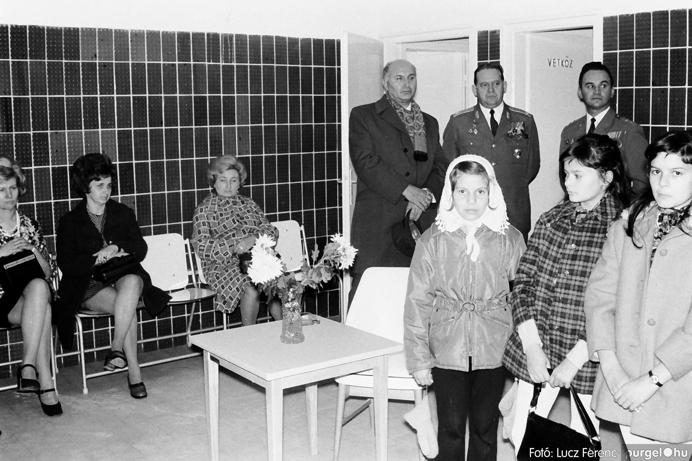 002 1970-es évek - Orvosi rendelő épületének átadása 010 - Fotó: Lucz Ferenc - IMG01108q.jpg