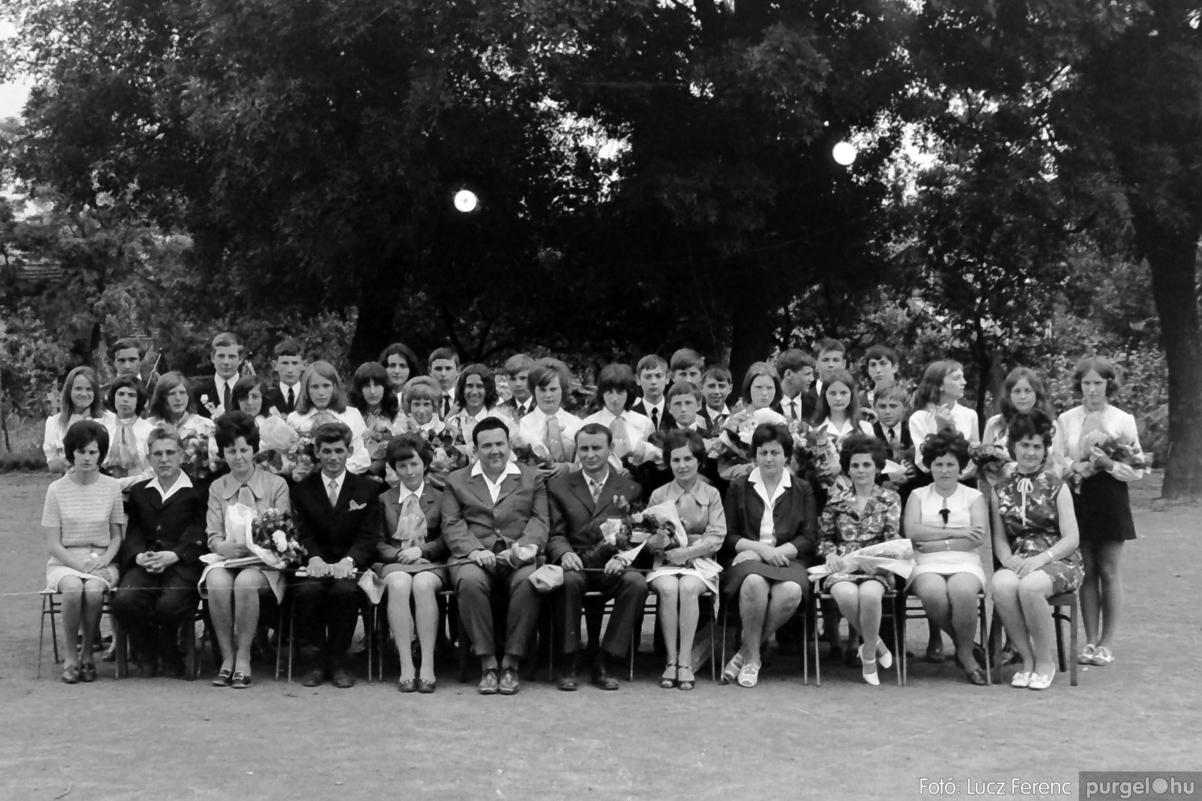 001 1972.05.27. Ballagás a szegvári iskolában 029 - Fotó: Lucz Ferenc - IMG01048q.jpg