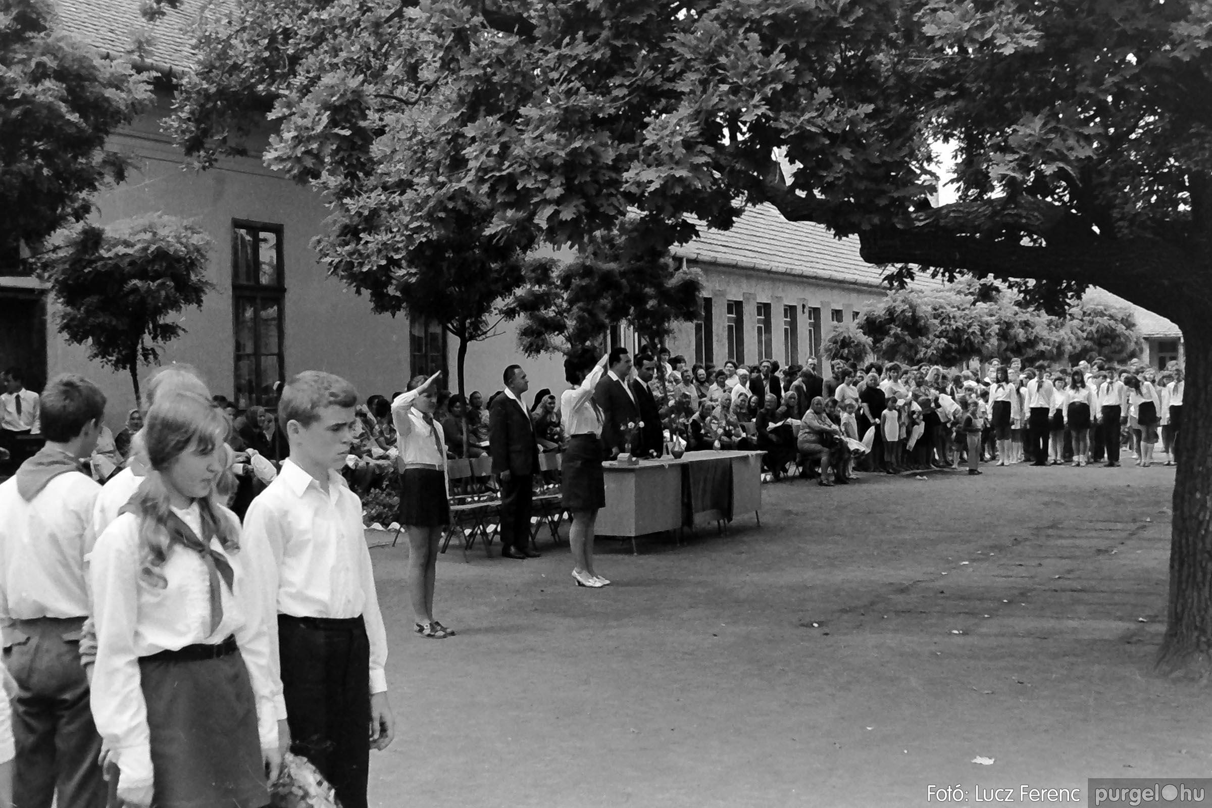 001 1972.05.27. Ballagás a szegvári iskolában 025 - Fotó: Lucz Ferenc - IMG01082q.jpg