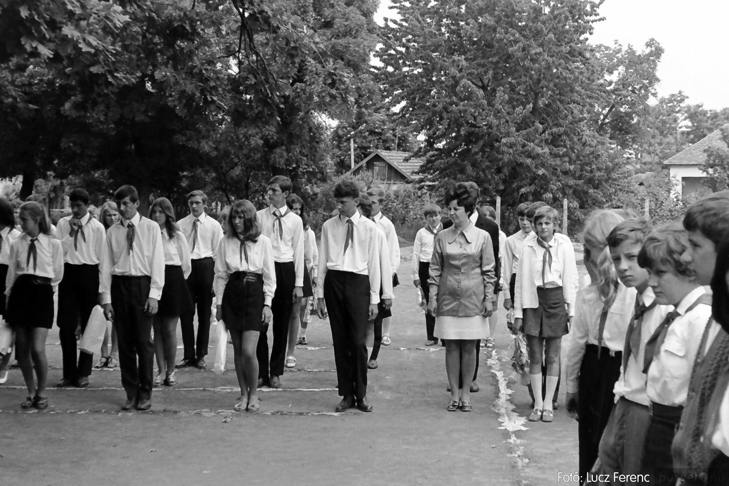 001 1972.05.27. Ballagás a szegvári iskolában 020 - Fotó: Lucz Ferenc - IMG01077q.jpg