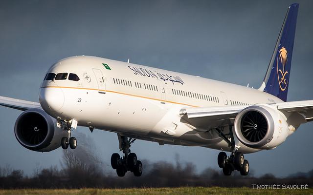 CDG | Saudia Boeing 787-10 Dreamliner | HZ-AR28