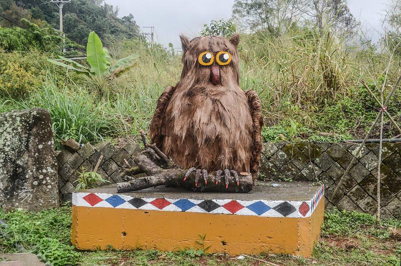 新美尼亞后薩獵人營路邊雕塑