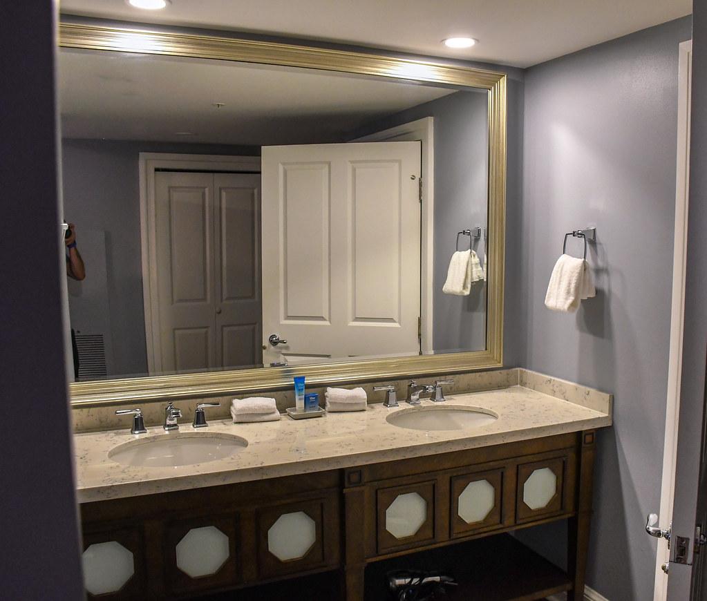 Big bathroom mirror Beach Club